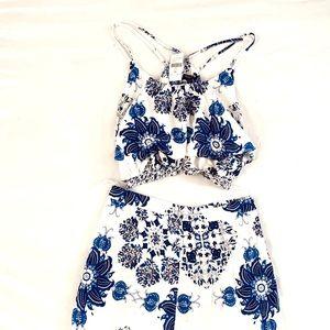 ✨ Fashion Nova 2 Piece Pants & Crop Top Set